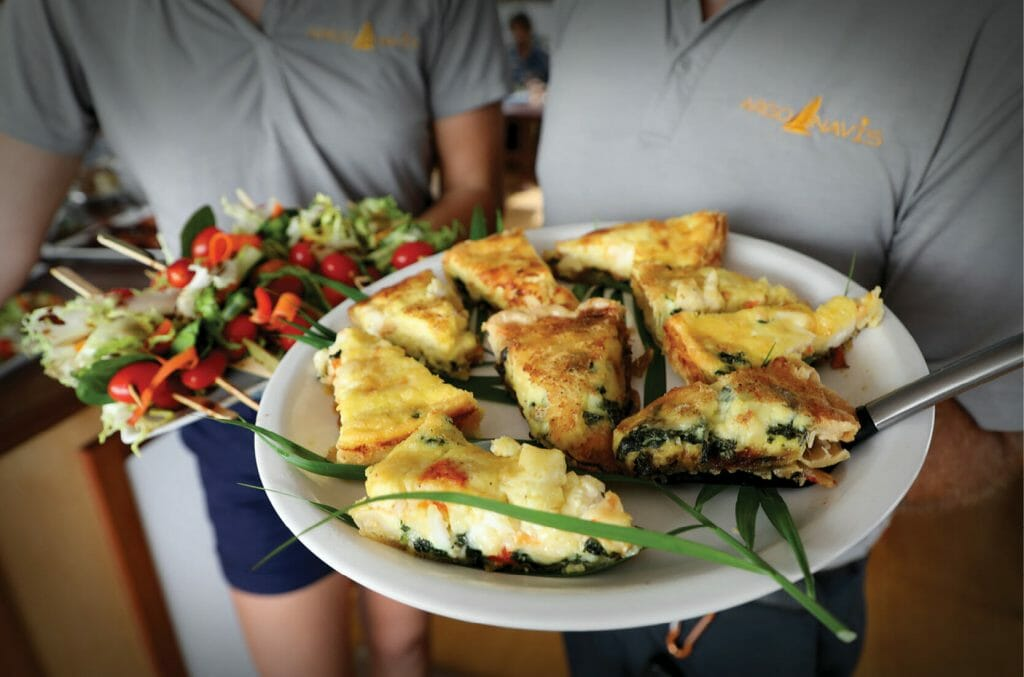 Argo Navis _ Food on tray