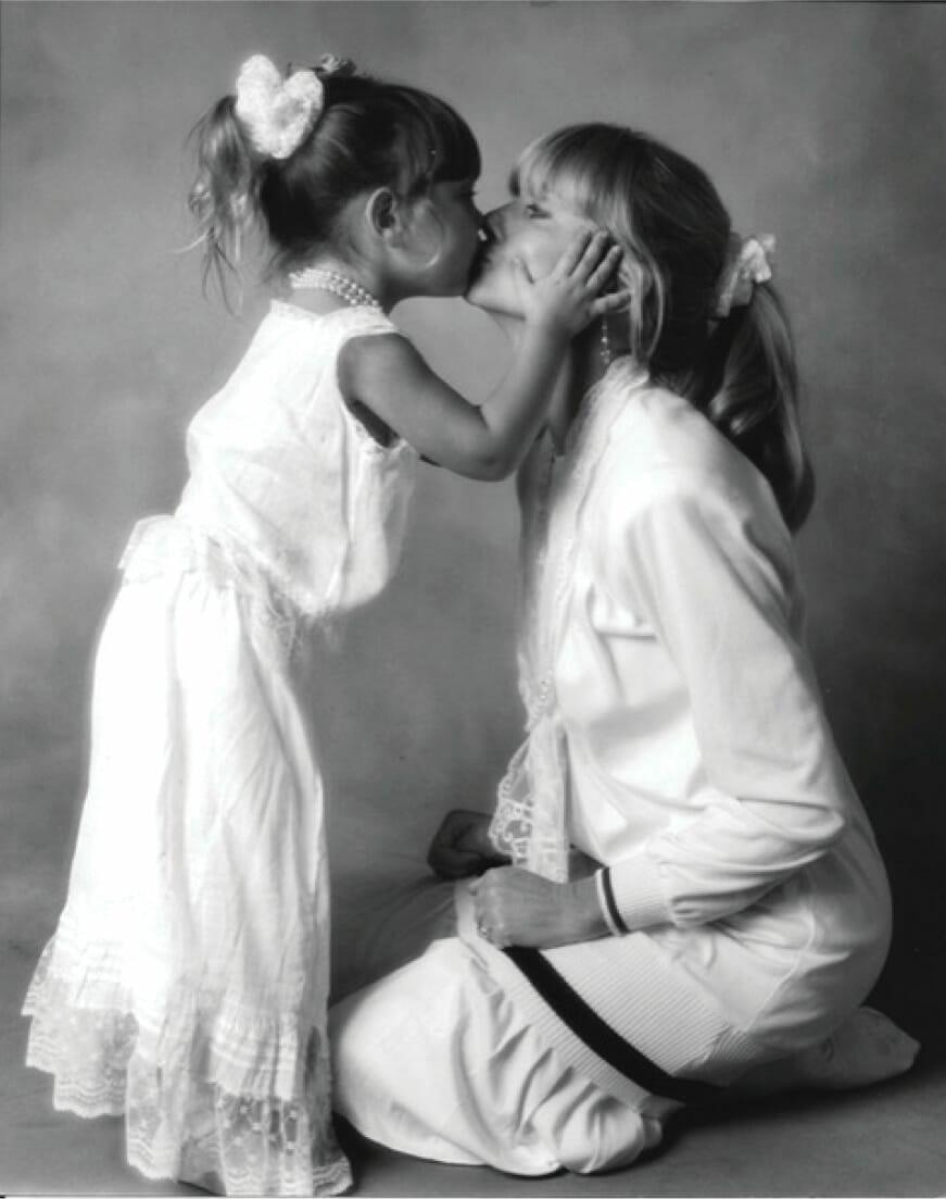 Chloe Kissing Olivia