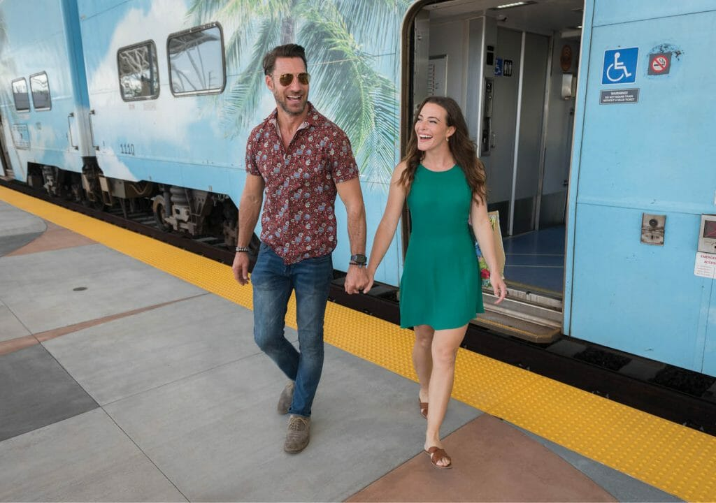 TriRail _ A Couple geting off the train