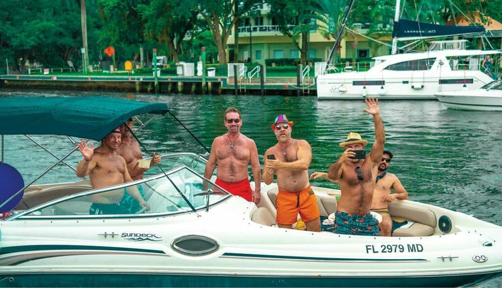 FLoatarama_Group of guys on the boat